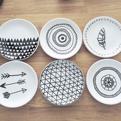 DIY Porcelain Plates by jeannie Pottery Painting, Ceramic Painting, Ceramic Art, Sharpie Crafts, Diy Sharpie Mug, Sharpie Plates, Sharpies, Diy Clay, Clay Crafts