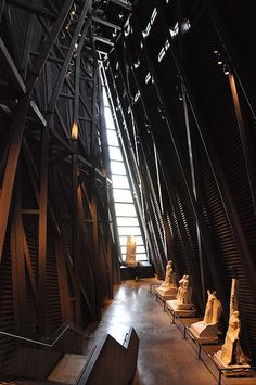 Canadian War Museum - Regeneration Hall with the original mock-up statues that adorn Vimy Ridge (France).