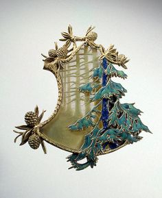 Pendant with the Depiction of a Winter Landscape.  Glass and gold; cast and enamelled. 17.2x6.6 cm  Lalique, Rene Gules.  France. Paris. 1900/1901