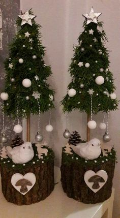 Holiday Tree, Christmas Tree, Christmas Ornaments, Holiday Decor, Dollar Tree Crafts, Xmas Decorations, Advent, Diy And Crafts, Gift Wrapping