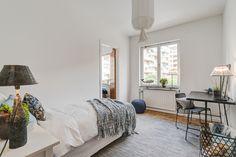 #styling #homestyling #bedroom #sovrum Fin funkislägenhet på Banérgatan | Move2
