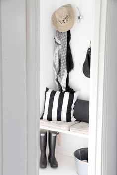 STYLIZIMO BLOG: { Welcome to our little hallway }