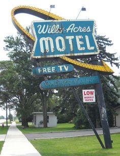 #signage (vintage Motel sign)