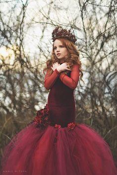Kylie May, Girls velvet mermaid dress – Dress Models Event Dresses, Pageant Dresses, Mermaid Dresses, Flower Girl Dresses, Flower Girls, Girls Dresses, Maya, Gold Sequin Fabric, First Communion Dresses