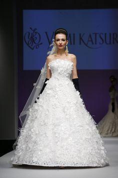 Yumi Katsura Bridal Fall 2016 [Photo: George Chinsee]