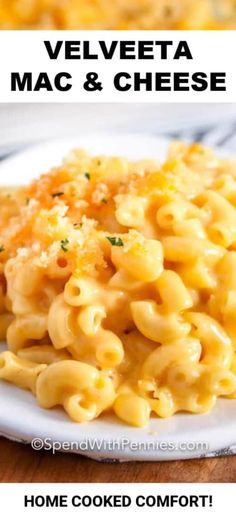 This Velveeta mac and cheese is an easy homemade recipe. Macaroni is stirred into this creamy velveeta sauce and topped with a breadcrumb topping and baked until bubbly & delicious! Creamy Mac And Cheese Recipe Velveeta, Oven Mac And Cheese, Homemade Mac And Cheese Recipe Easy, Homemade Velveeta, Velveeta Recipes, Mac And Cheese Sauce, Best Mac N Cheese Recipe, Macaroni Recipes, Mac Cheese Recipes
