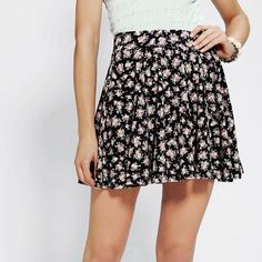 Urban Outfitters Pins and Needles Floral Skirt ❗️NWT❗️This skirt is gorgeous. It has a wonderful flare to it, however my waist is too small for this skirt. It runs big ( I'm very tiny size 0/00 xxs, xs, and s are usually my sizes) It's been sitting in my closet unloved :( Smoke free home! Urban Outfitters Skirts Circle & Skater