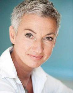22.Older-Women-Short-Haircut.jpg 500×644 pixels