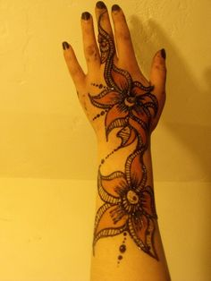 VIA Marwa Sudanese Henna