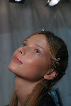 chloe ss 2005 hair backstage