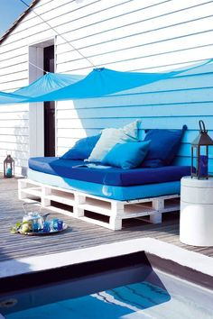 With new furnished designs and architecture you can bring exemplary pallet furniture for your outdoor as well. Pallet ideas for outdoors include like outdoor Outdoor Furniture, Decor, Pallet Furniture, Pallet Diy, Diy Outdoor, Furniture, Outdoor Sofa, Home Decor, Patio Furniture