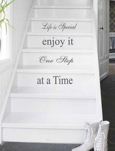Trapsticker Life is Special | Voor de woonkamer | 101WOONSTICKERS / MUURSTICKERS