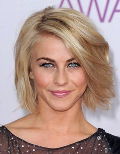 Short Voluminous Bob Hairstyle with Side Swept Bangs- Julianne Hough Hairstyles 2014 I might go with this cut when I finally decide to cut my hair. Haircuts For Fine Hair, Short Bob Haircuts, Sassy Haircuts, Popular Hairstyles, Julianne Hough, Short Hair Cuts For Women, Short Hairstyles For Women, Trendy Hairstyles, Hairstyle Short