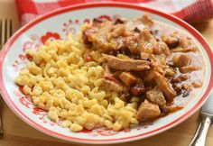 Meat Recipes, Cooking Recipes, Hungarian Recipes, Cook At Home, Food 52, Bon Appetit, Macaroni And Cheese, Main Dishes, Bacon