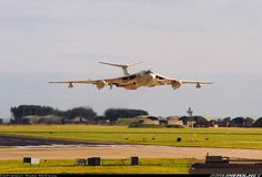Handley Page Victor of 55 Squadron at RAF Leuchars Scotland. September 1993 – The last Victor ever to take off from Leuchars after the annual airshow. A few weeks later, the last of the RAF& Victors were retired from service. Air Force Aircraft, Navy Aircraft, Fighter Aircraft, Fighter Jets, Military Jets, Military Aircraft, Aircraft Structure, Handley Page Victor, V Force