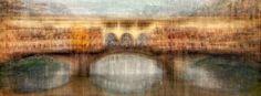 Каждый уважающий себя турист старается привезти из своих путешествий как можно больше снимков увиденных мест. Нередко эти фотографии совпадают у множества людей со всех концов света. К примеру, после посещения Парижа каждый семейный архив обязательно обзаведется снимком Эйфелевой башни.