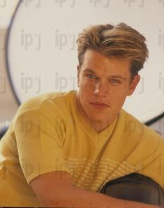 Matt Damon Young, October Song, School Ties, Good Will Hunting, Young Leonardo Dicaprio, Jason Bourne, Hunting Quotes, Dream Boyfriend, White Boys