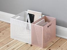 NakNak — the box