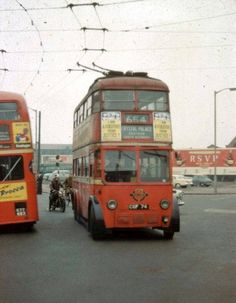 A collection of historical colour slides of trolleybuses in the Croydon Area Vintage London, Old London, London Transport, Public Transport, Bedford Buses, Motorcycle Images, Routemaster, Buses And Trains, Double Decker Bus