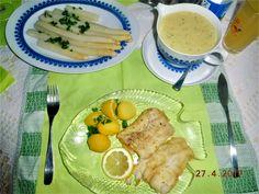 Kabeljau gedünstet, mit frischem Stangenspargel, neue Kartoffeln Petersilie, Sc. Bérnaise