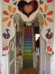 I really love the idea of this appliqué, trying to think how to rework. Boho Diy, Bohemian Decor, Stair Art, Unusual Homes, Diy Curtains, Painted Floors, Kids Corner, Nursery Design, Kid Spaces