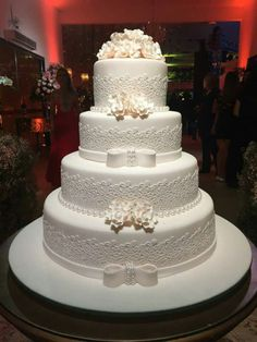 Big Wedding Cakes, Wedding Dress Cake, Floral Wedding Cakes, Elegant Wedding Cakes, Beautiful Wedding Cakes, Beautiful Cakes, Dream Wedding, Blue Orange Weddings, White And Gold Wedding Cake