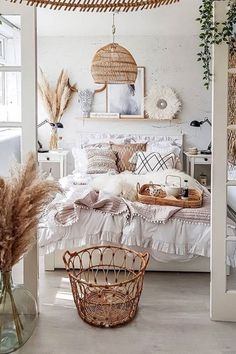 Cute Bedroom Ideas, Cute Room Decor, Room Ideas Bedroom, Bedroom Inspo, Bedroom Inspiration Cozy, Bedding Inspiration, Bedroom Designs, Style Inspiration, Boho Bedroom Decor