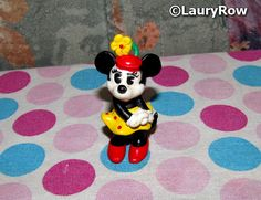 MINNIE MOUSE VINTAGE. https://www.facebook.com/Disneycollecbell%20/photos/?tab=album&album_id=1083514865063536  by ©LauryRow.