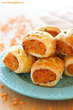 Red Lentil Sausage Rolls -Vegetarian Red Lentil Sausage Rolls - To the Sausage Roll lovers among us - gather and listen closely. These Chorizo Sausage Rolls are about to change your life for the better. Veggie Recipes, Vegetarian Recipes, Cooking Recipes, Vegetarian Party Foods, Easy Vegetarian Appetizers, Red Lentil Recipes, Vegetarian Sandwiches, Going Vegetarian, Vegetarian Cooking
