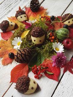 Rezepte aus der Heimat: Jezici keksici oder Igel-Kekse | cuplovecake Christmas Cookies, Christmas Wreaths, Xmas Food, Love Cake, Food And Drink, Cupcakes, Snacks, Baking, Halloween