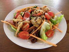 seafood salad at Ubin resutaurant・・・so deliiiiiiiiiicious!!!!!!  ウビン島に1軒だけあるレストランのシーフードサラダ、絶品!