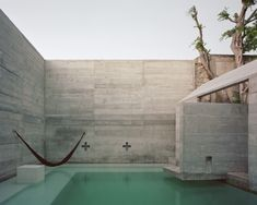 Architecture Photo, Residential Architecture, Contemporary Architecture, Architecture Interiors, Louvre Windows, Mayan Cities, Mexico House, Concrete Steps, Outdoor Areas