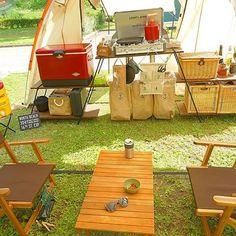 ・ 今回も2人キャンプだったので、テント内にキッチンを設置しました カマボコテントの場合、全部がテント内に入るから、タープいらず‼️ 2人キャンプにはぴったりのテントです ・ 今回はゴミ箱忘れずに持って来た やっぱり便利だね〜〜❤️ ・ #キャンプ #アウトドア #おしゃキャン #おしゃれキャンプ #ソトアソビ #バーベキュー #お外あそび #キャンパー #おしゃれキャンパー #camphack取材 #camp #outdoor #bbq #camping #outingstylejp #キャンプ用品 #キャンプ初心者 #オートキャンプ #おそとあそび #キャンプグッズ #hinataoutdoor #bepal #カマボコテント #テント内 #ロースタイルキャンプ #ドッペルギャンガー #アウトドアキッチン #ニトリチェア #スチールベルトクーラー #ユニフレームツーバーナー