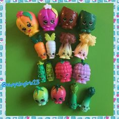 All the Fruit & Veg! Shopkins World, Shopkins Cake, Shopkins Queen, Plastic Canvas Tissue Boxes, Plastic Canvas Patterns, Shopkins Season 1, Moose Toys, Vintage Party, Polymer Clay Charms