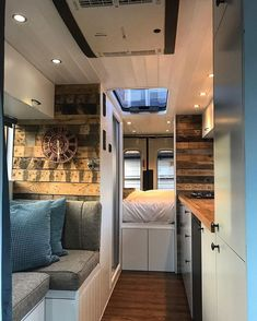 Van Conversion Interior, Camper Van Conversion Diy, Van Interior, Van Living, Tiny House Living, Kombi Motorhome, Converted Vans, Build A Camper, Van Home