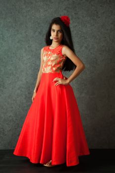 Love the Embroidered Silk Gown from BenzerWorld!