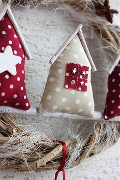 Couronne de Noël , maison en tissu, #rouge et blanc
