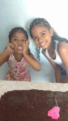 As mainhas Bia e Soninha... Bia falando pra Sonia, a festa é minha, que parte vc não entendeu kkkkk...