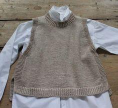 Loose vest with slits - susanne-gustafsson. Crochet Cowl Free Pattern, Knit Vest Pattern, Sweater Knitting Patterns, Knit Patterns, Free Knitting, Knit Crochet, Art Minecraft, Aesthetic Sweaters, Facon
