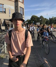 ideas fashion boys guys for 2019 Bad Boy Aesthetic, Aesthetic Fashion, Aesthetic Clothes, Urban Fashion, Mens Fashion, Fashion Outfits, Tomboy Outfits, Pretty Boys, Cute Boys
