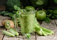 5 szuperegészséges smoothie, amivel fogyhatsz is! Celery, Healthy Recipes, Healthy Foods, Smoothies, Vegetables, Smoothie, Health Foods, Healthy Groceries, Healthy Eating Recipes