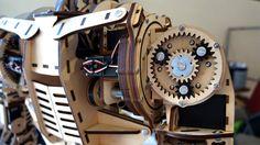 roy the robot - schouderblad