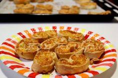μικρή κουζίνα: Αλμυρά παλμιέ με τέσσερα τυριά French Toast, Muffin, Breakfast, Recipes, Food, Morning Coffee, Recipies, Essen, Muffins