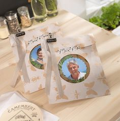 Schön anzusehen und intensiv im Geschmack – individuelle Kräutertütchen lassen sich im Handumdrehen gestalten. Eine kleine & feine Aufmerksamkeit. © CEWE