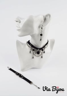 Handmade jewelry and author's models Material:Stainless Steel,Glass,Crystal Swarovski Black eco-leather, Glass Crystal, Modeling, Swarovski, Casual Outfits, Handmade Jewelry, Jewelry Design, Stainless Steel, Crystals, Leather