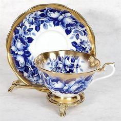 Blue Roses & Gold Trim