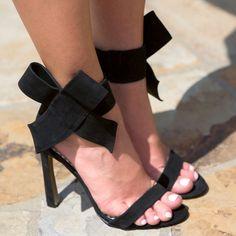 Betsey Johnson Bow High Heel Sandals Friskyy