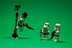 ♫ I'm singing in the rain...♫  Legos, Star Wars, Singing in the Rain.  Nerd overload.