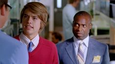 The Suite Life Movie Screencaps. Zack E Cody, The Suite Life Movie, Suit Life On Deck, Cody Martin, Dylan And Cole, Dylan Sprouse, Disney Live, Sweet Life, Pinterest Board
