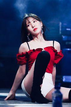 Seulgi, K Pop, South Korean Girls, Korean Girl Groups, Red Velet, Wendy Red Velvet, Velvet Fashion, Girls Generation, Olaf